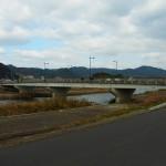 霧島市隼人町、天降川にかかる「泉帯(せんたい)橋」