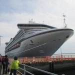 鹿児島マリンポートで繋留する「サファイア プリンセス」
