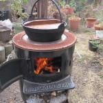 小雪舞い散る日に焚き火で大根を煮る 2018.02.04